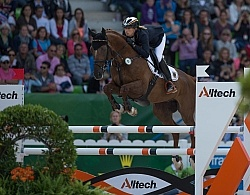 Sandra Auffarth and Opgun Louvo take Eventing Gold WEG 2014 Norm